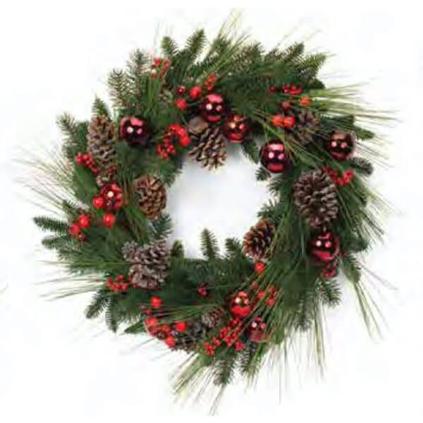 Everlasting wreath with ornaments